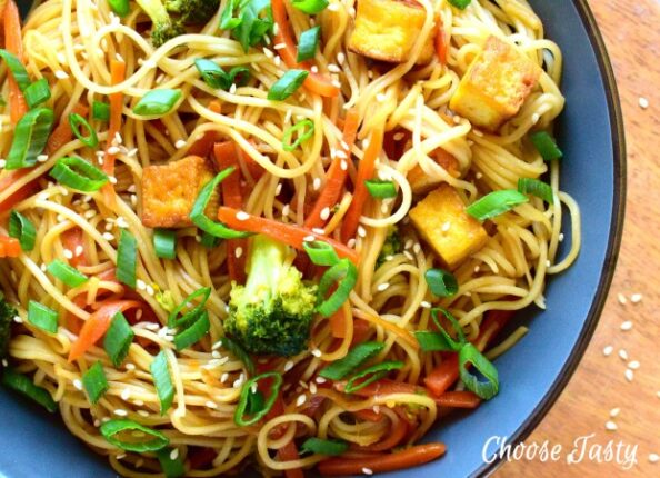 Vegan chow mein noodles with broccoli, carrot and tofu