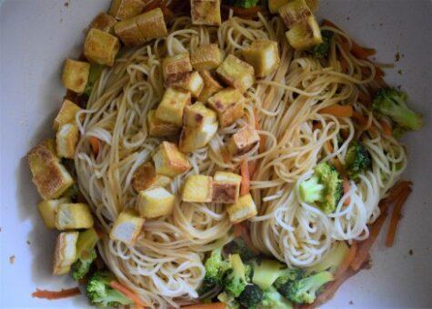 Vegan chow main preparation
