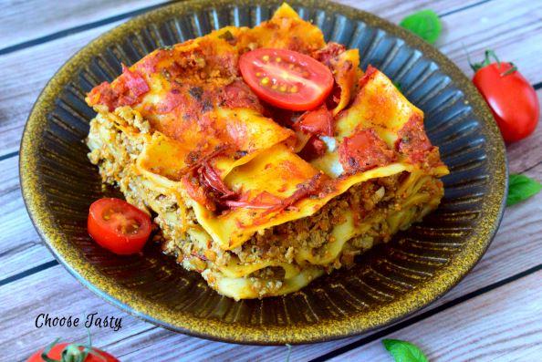 Minced tofu lasagne serving