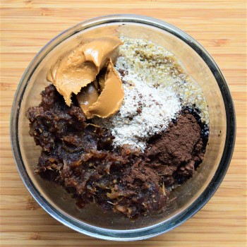 Base ingredients: dates, rolled oats, peanut butter, cocoa powder, coconut oil