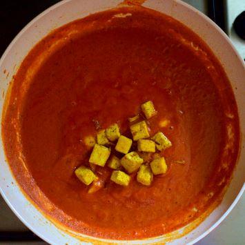 Tomato indian gravy with gingered tofu